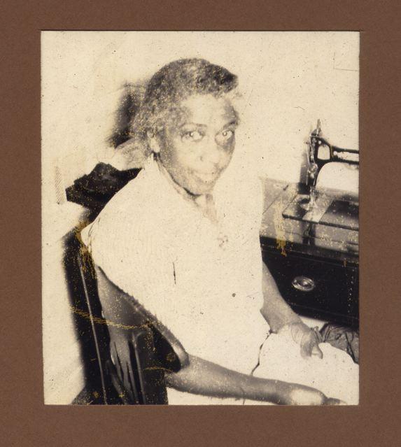 19520509-nanny.jpg